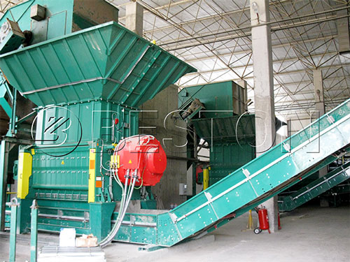 Large-size waste crusher